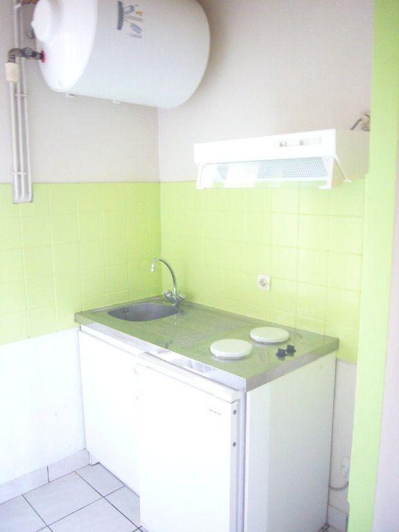 Appartement à louer 2 32.76m2 à Gagny vignette-5