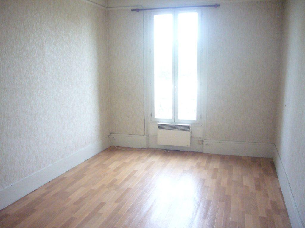 Appartement à louer 2 32.76m2 à Gagny vignette-7
