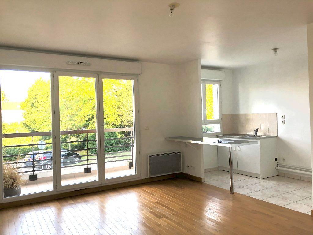 Appartement à louer 2 47.41m2 à Lagny-sur-Marne vignette-3