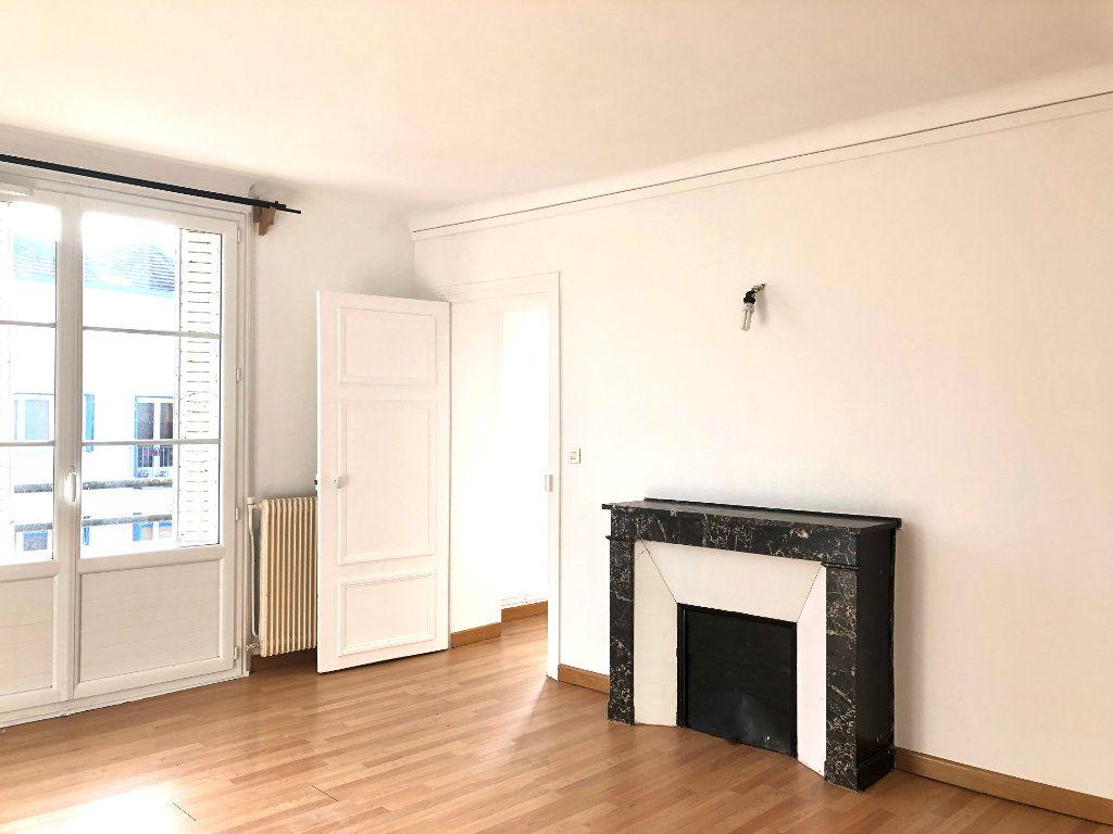Appartement à louer 3 61m2 à Lagny-sur-Marne vignette-1