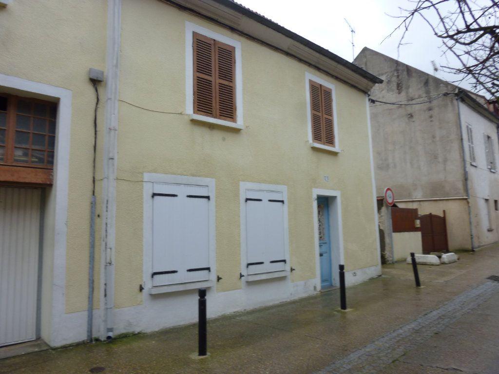 Appartement à louer 2 35.07m2 à Thorigny-sur-Marne vignette-1