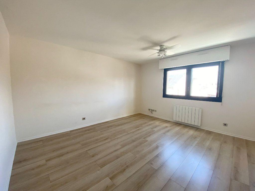 Appartement à louer 1 30.02m2 à Lagny-sur-Marne vignette-1