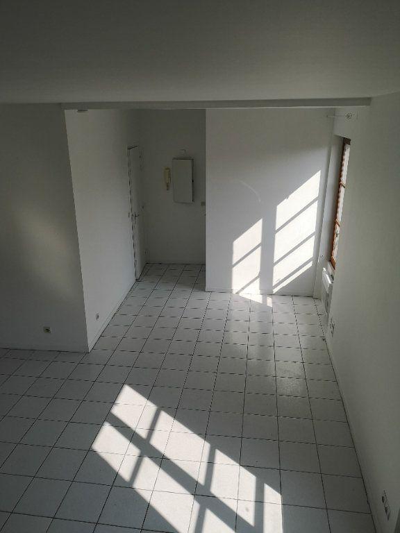Appartement à louer 2 46m2 à Lagny-sur-Marne vignette-1