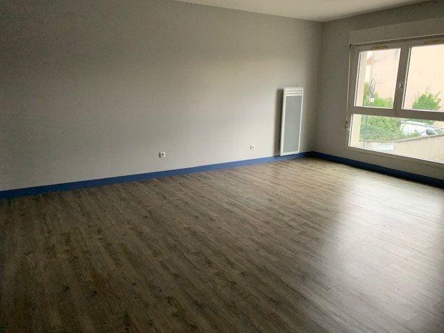 Appartement à louer 1 46.58m2 à Montévrain vignette-4