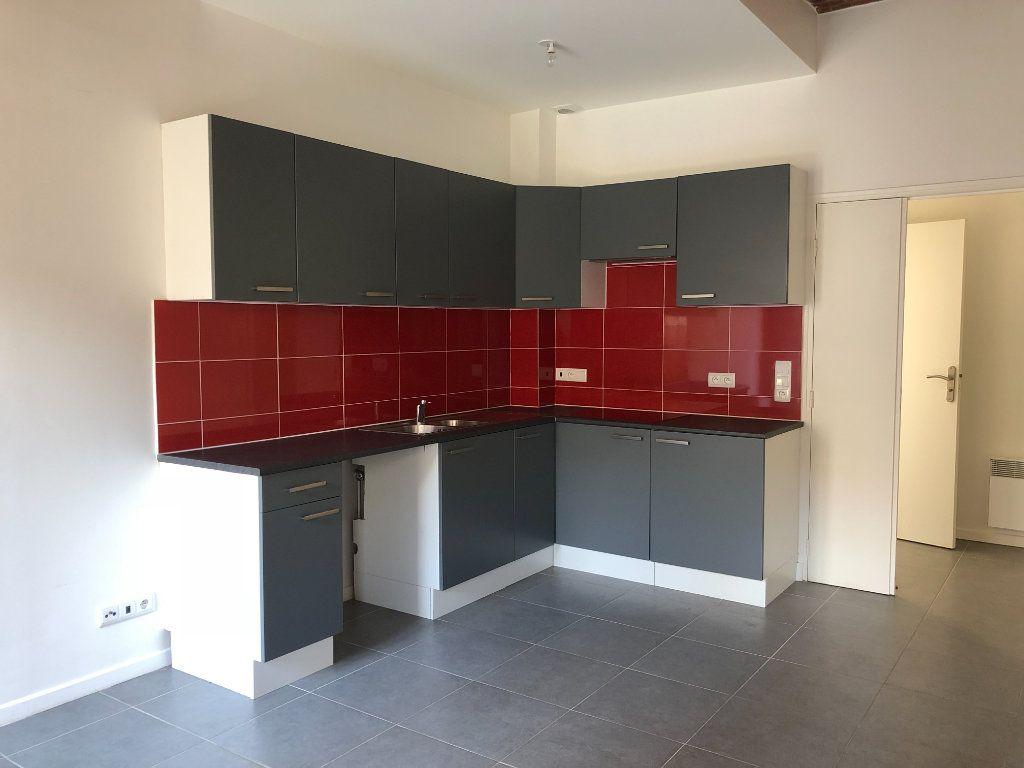 Appartement à louer 3 51.13m2 à Torcy vignette-2