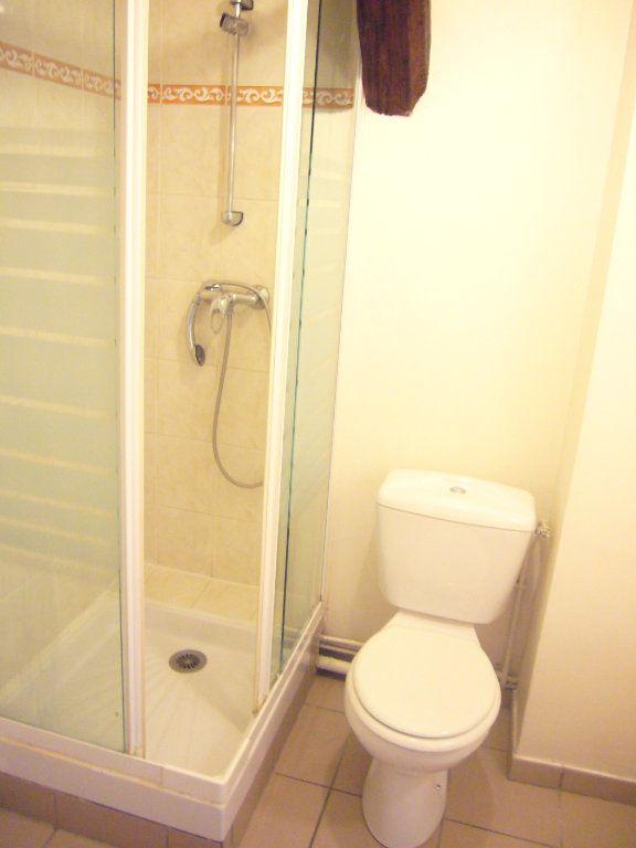 Appartement à louer 1 22.74m2 à Lagny-sur-Marne vignette-5