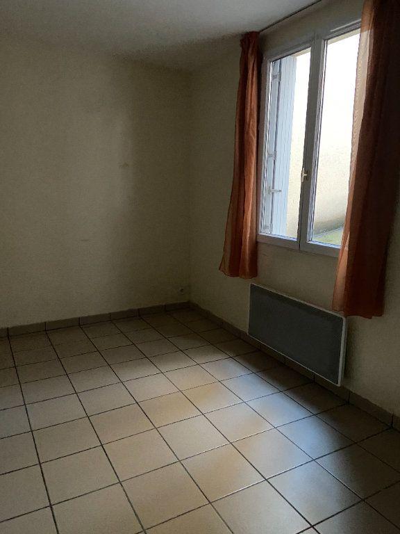 Appartement à louer 1 23.58m2 à Lagny-sur-Marne vignette-4