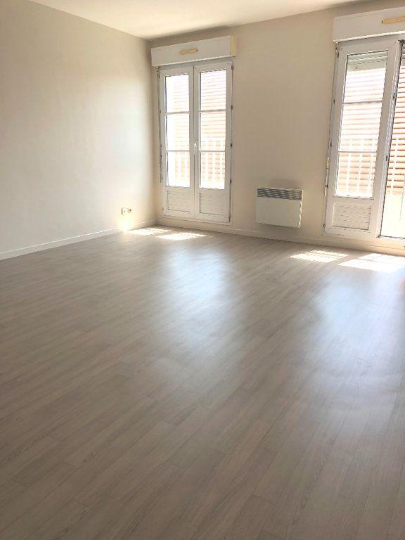 Appartement à louer 2 44m2 à Montévrain vignette-2