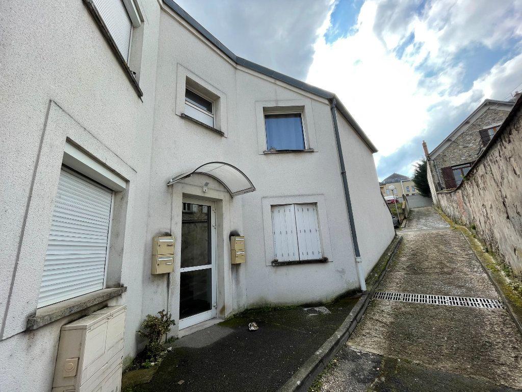 Appartement à louer 2 54.7m2 à Lagny-sur-Marne vignette-2