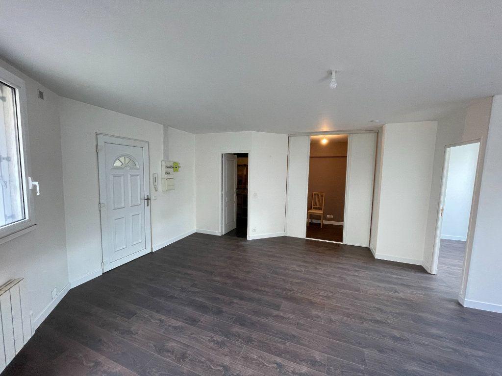 Appartement à louer 2 54.7m2 à Lagny-sur-Marne vignette-7