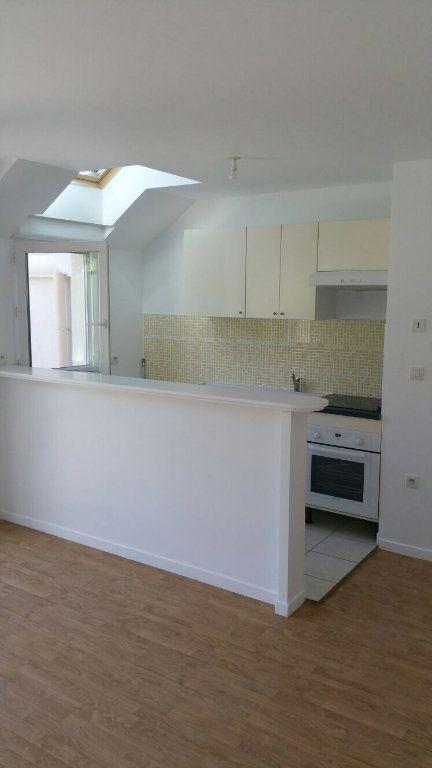 Appartement à louer 2 40m2 à Torcy vignette-3