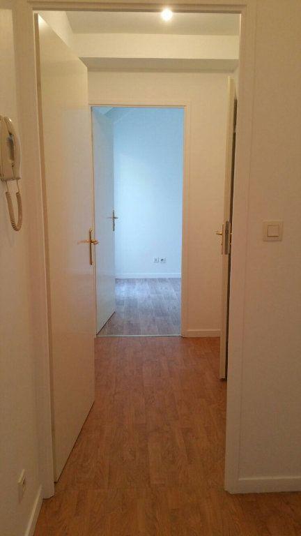 Appartement à louer 2 40m2 à Torcy vignette-4