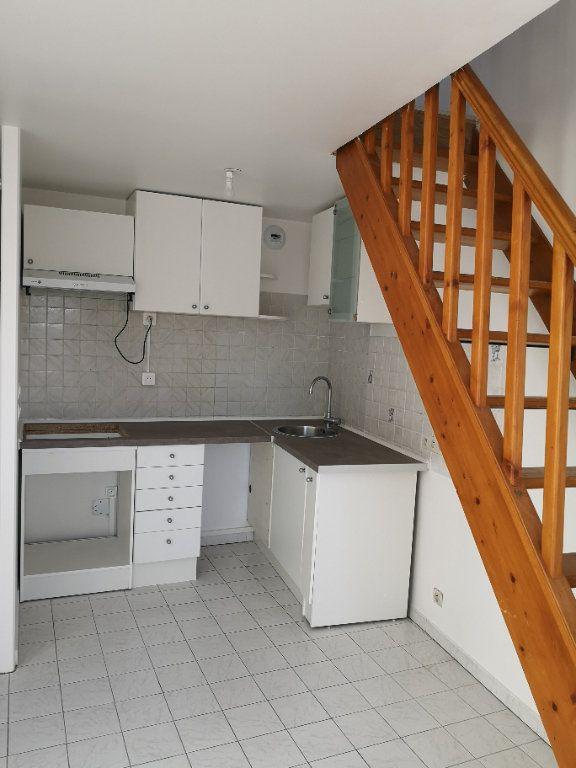 Appartement à louer 3 48.58m2 à Lagny-sur-Marne vignette-1