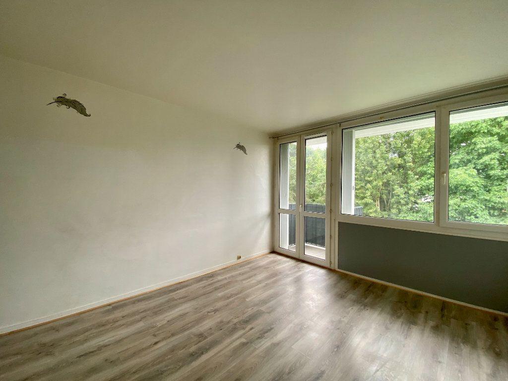 Appartement à louer 3 65.27m2 à Lagny-sur-Marne vignette-1