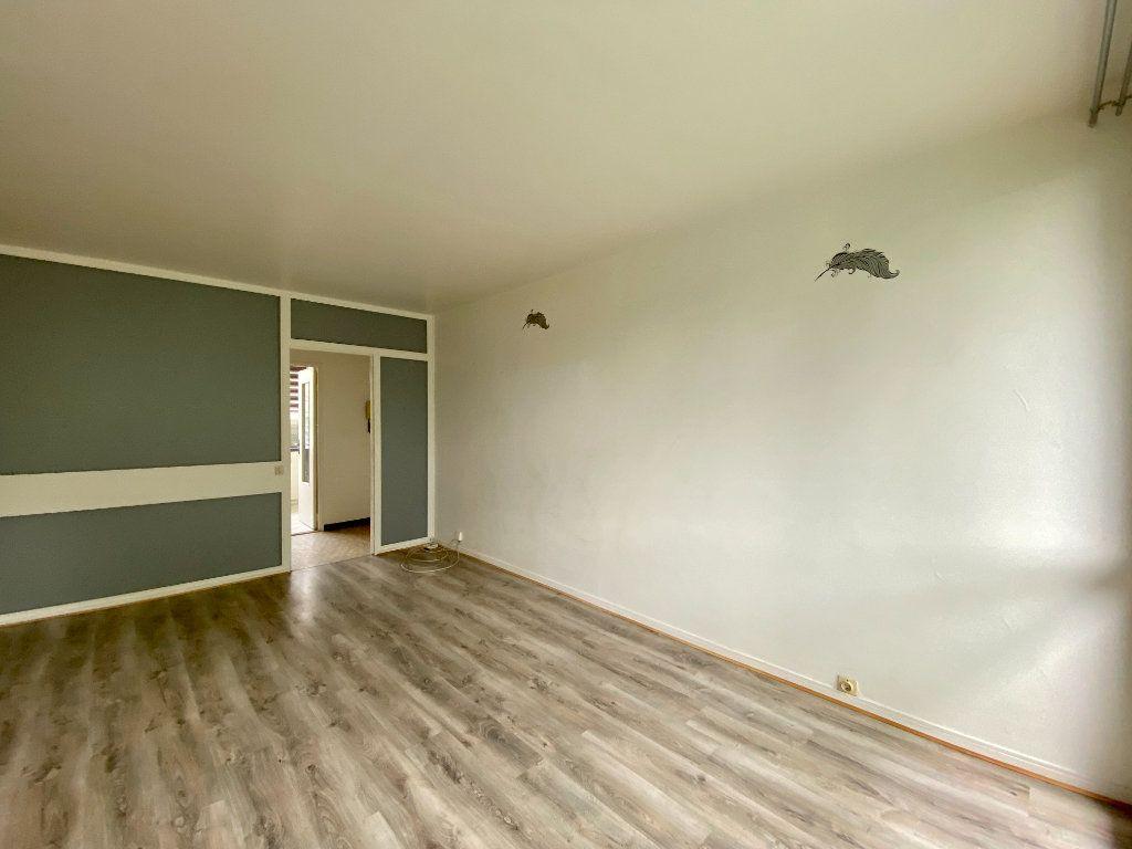 Appartement à louer 3 65.27m2 à Lagny-sur-Marne vignette-2
