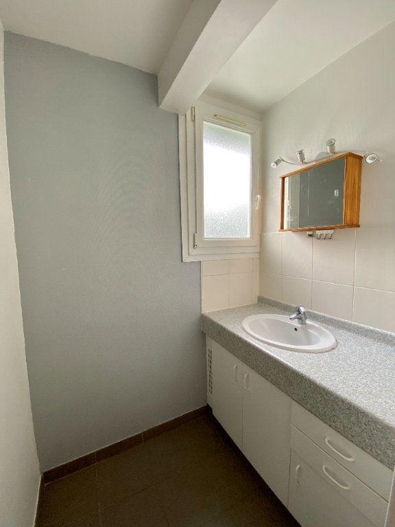Appartement à louer 3 65.27m2 à Lagny-sur-Marne vignette-4
