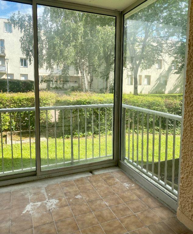 Appartement à louer 3 66m2 à Lagny-sur-Marne vignette-1