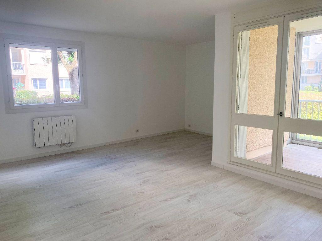 Appartement à louer 3 66m2 à Lagny-sur-Marne vignette-2