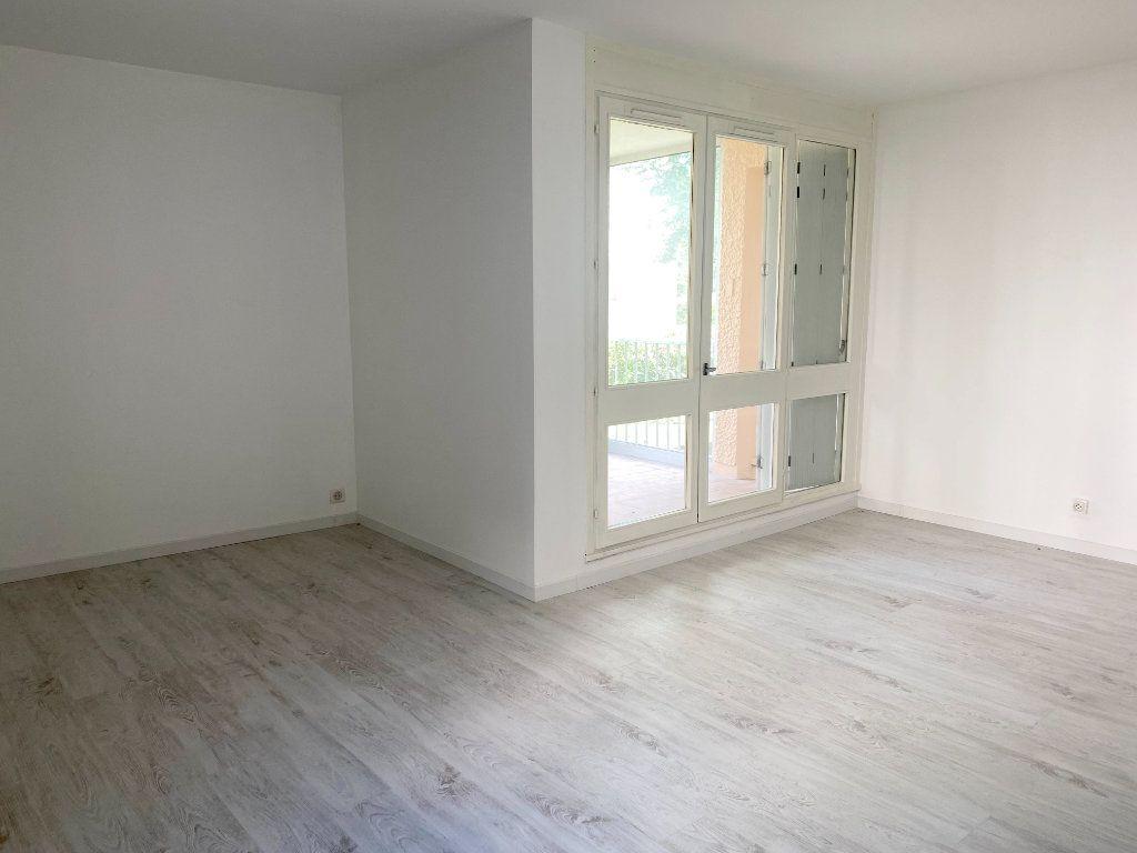 Appartement à louer 3 66m2 à Lagny-sur-Marne vignette-3