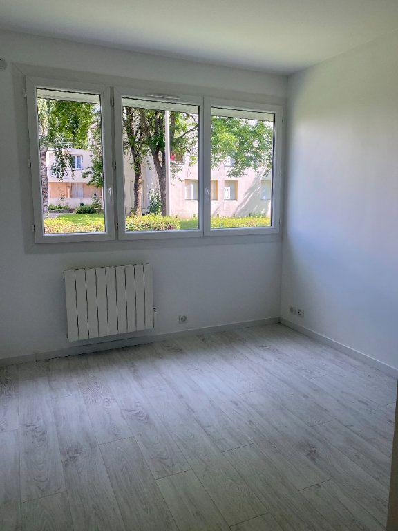 Appartement à louer 3 66m2 à Lagny-sur-Marne vignette-6