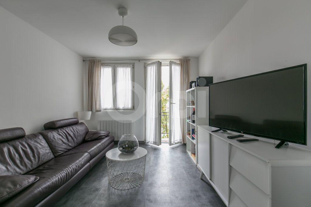 Appartement à louer 3 55.47m2 à Vaires-sur-Marne vignette-3