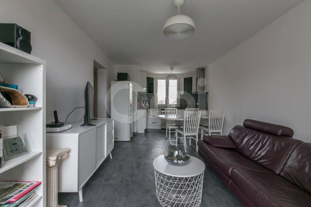 Appartement à louer 3 55.47m2 à Vaires-sur-Marne vignette-8