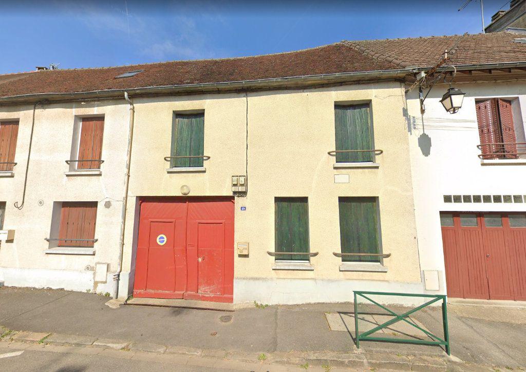 Maison à louer 4 96m2 à Villeneuve-le-Comte vignette-1