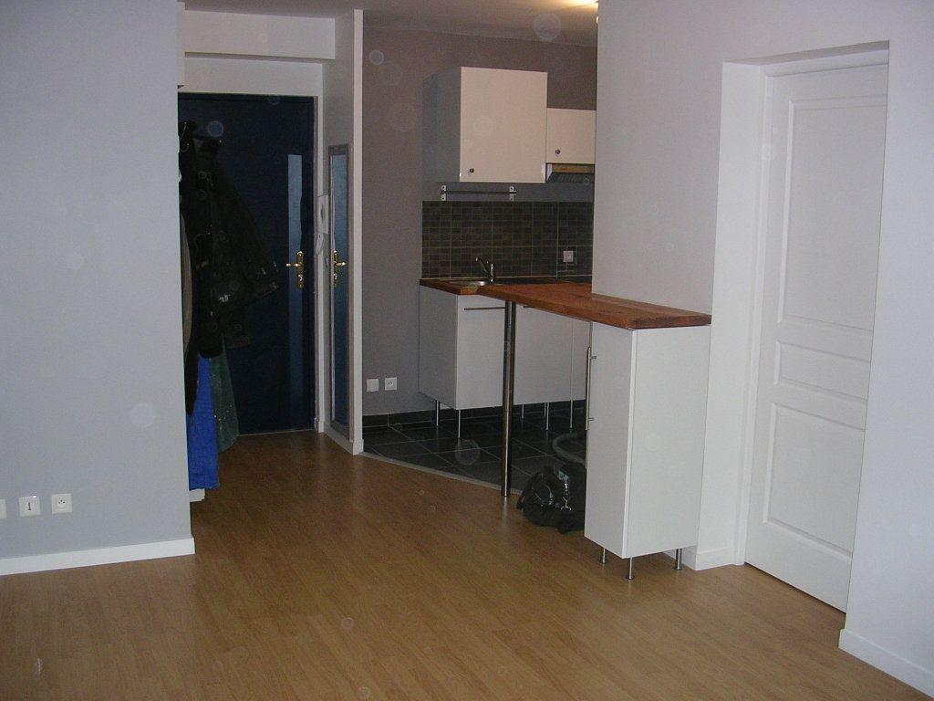 Appartement à louer 2 35m2 à Meaux vignette-2