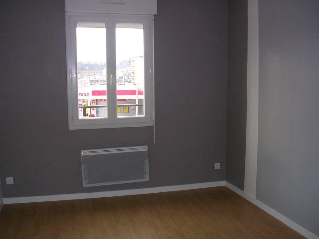 Appartement à louer 2 35m2 à Meaux vignette-4