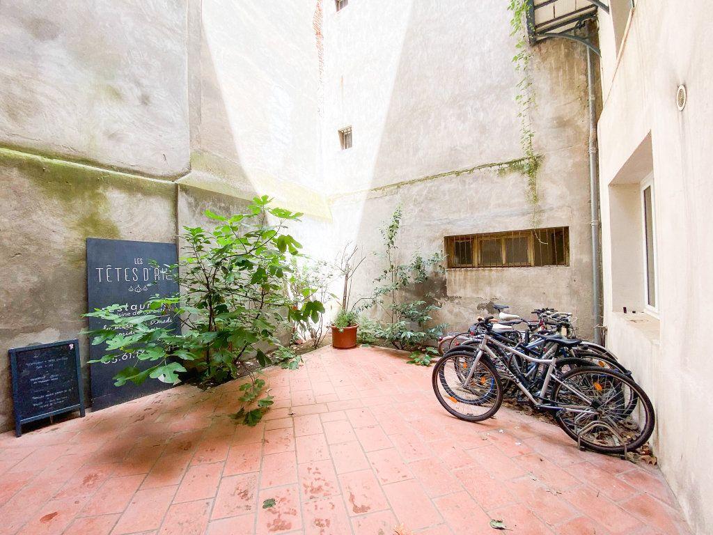 Appartement à louer 1 28m2 à Toulouse vignette-5