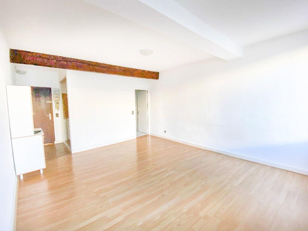 Appartement à louer 1 28m2 à Toulouse vignette-1