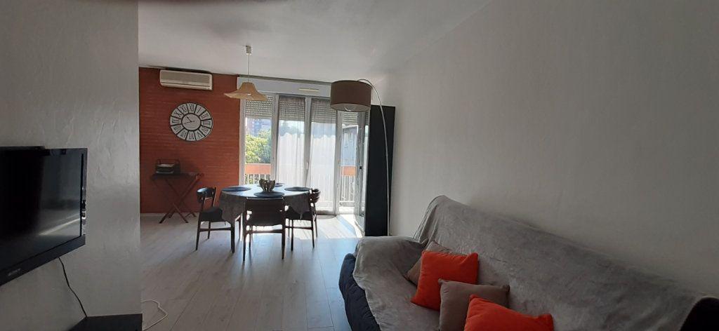 Appartement à louer 1 33.5m2 à Toulouse vignette-4