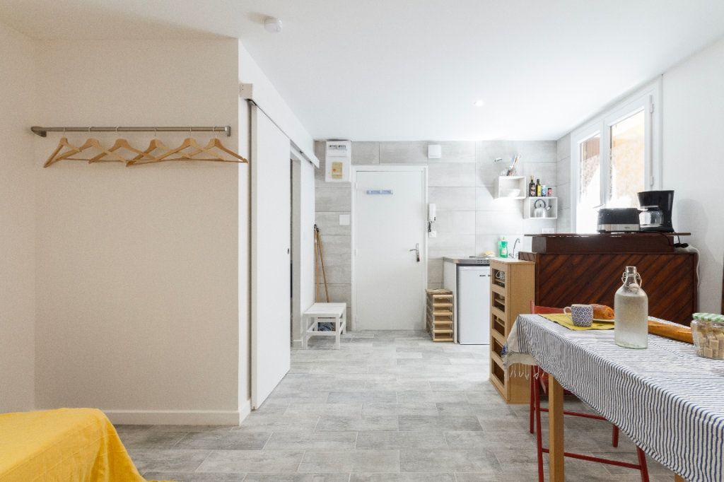 Appartement à louer 1 23m2 à Toulouse vignette-5