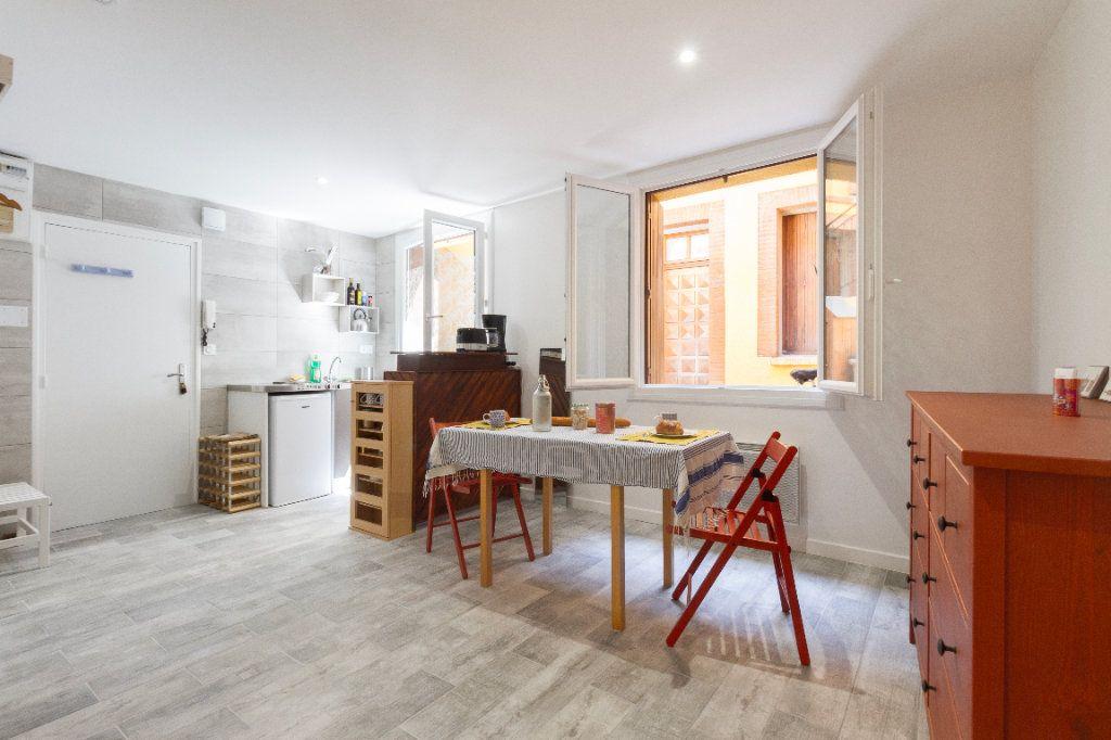 Appartement à louer 1 23m2 à Toulouse vignette-6
