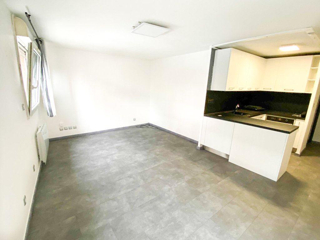 Appartement à louer 3 53m2 à Toulouse vignette-1