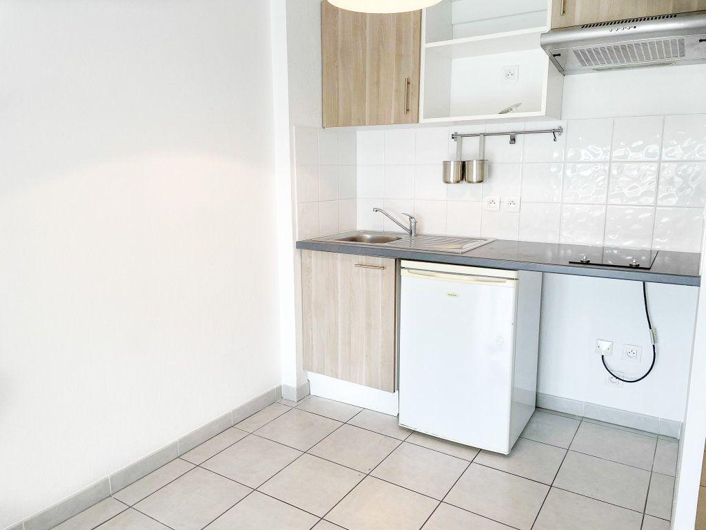 Appartement à louer 2 45m2 à Toulouse vignette-3