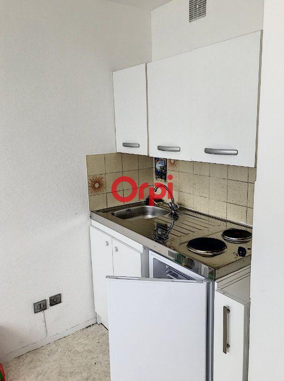 Appartement à louer 1 16m2 à Bordeaux vignette-4