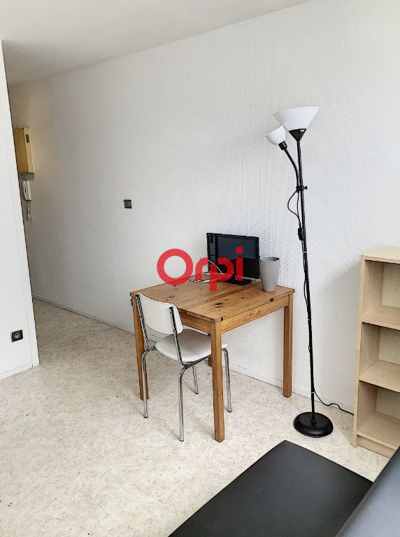 Appartement à louer 1 16m2 à Bordeaux vignette-5