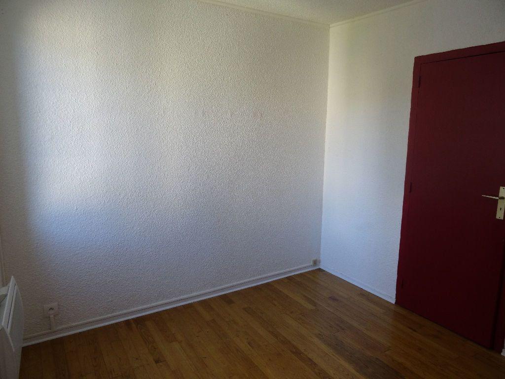Appartement à louer 2 30.97m2 à Bordeaux vignette-3