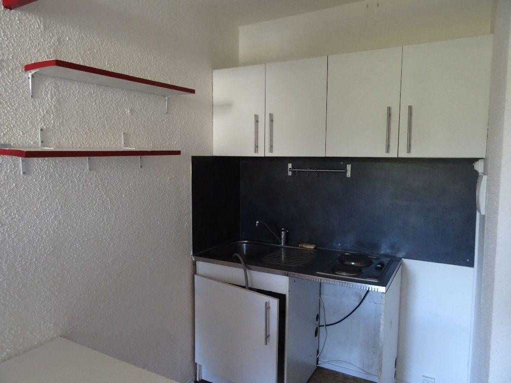 Appartement à louer 2 30.97m2 à Bordeaux vignette-5