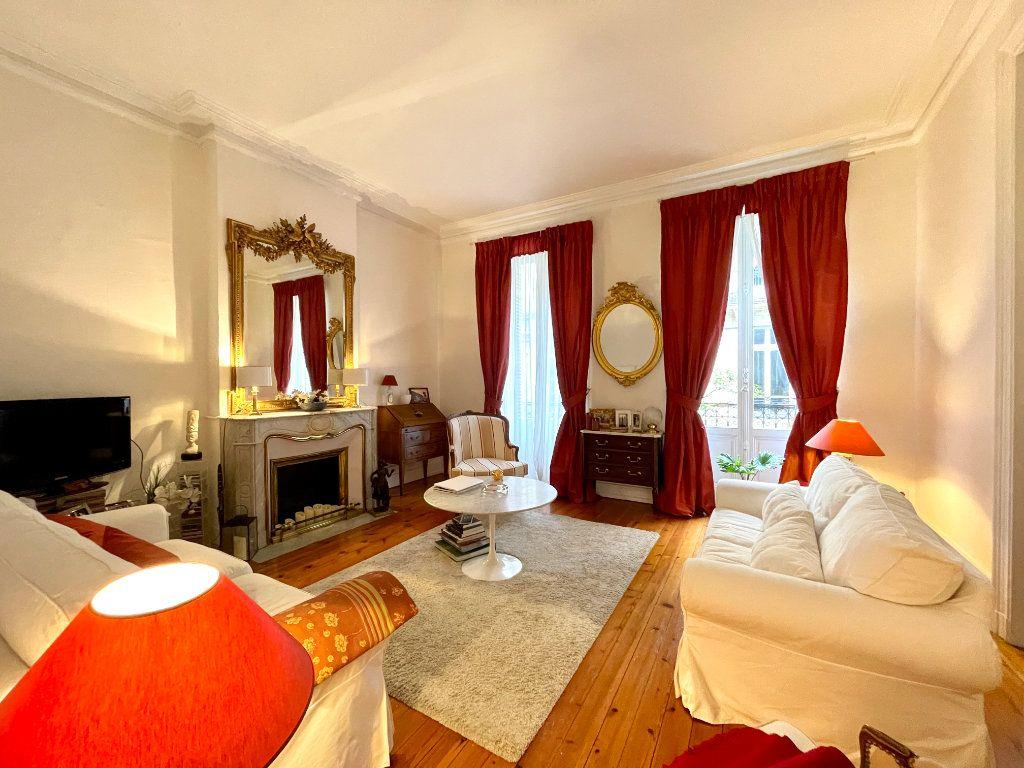 Appartement à vendre 4 115m2 à Bordeaux vignette-1