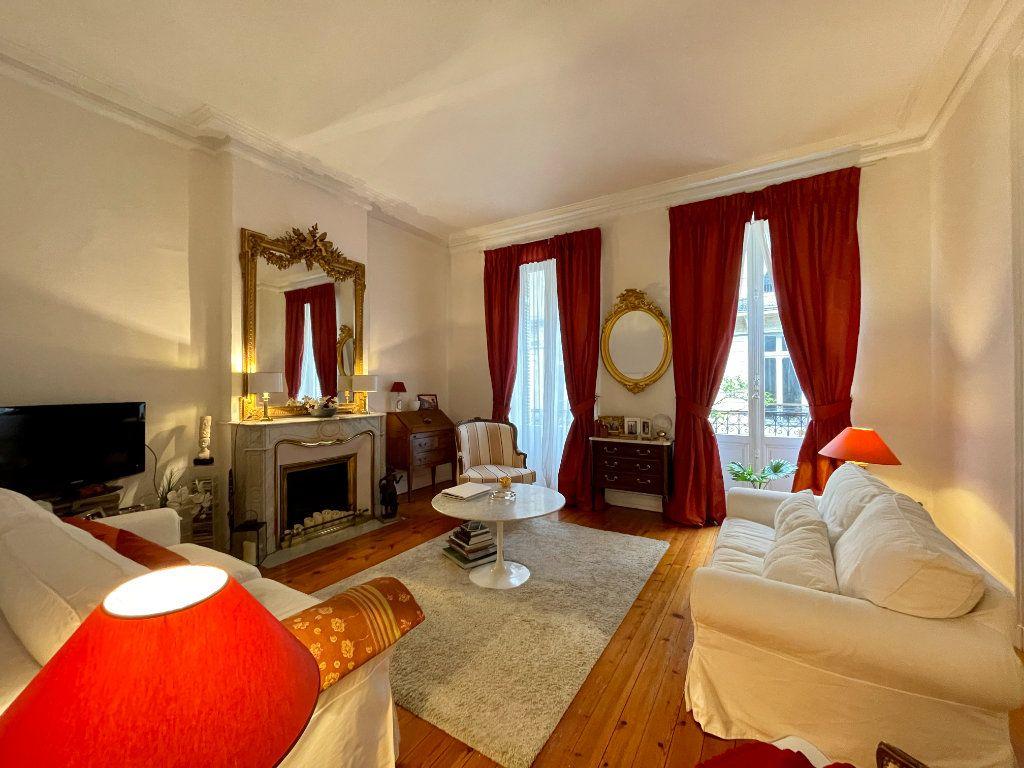 Appartement à vendre 4 115m2 à Bordeaux vignette-4