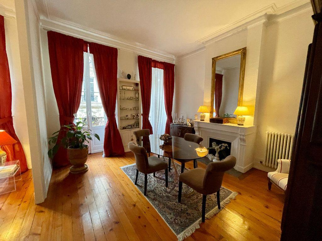 Appartement à vendre 4 115m2 à Bordeaux vignette-5