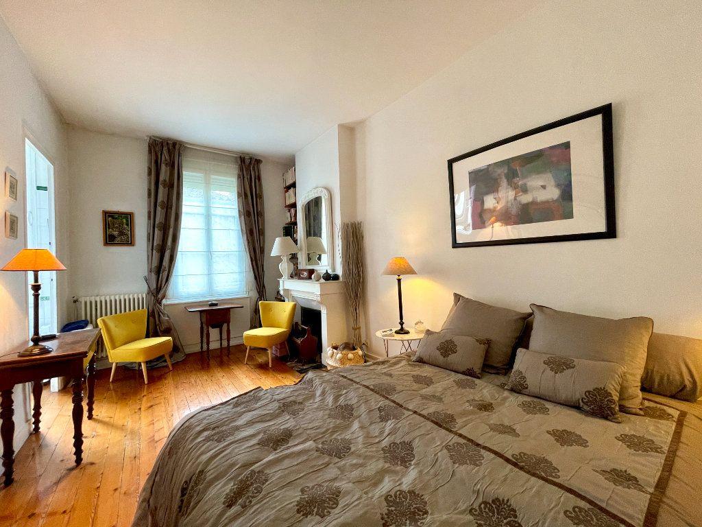 Appartement à vendre 4 115m2 à Bordeaux vignette-6