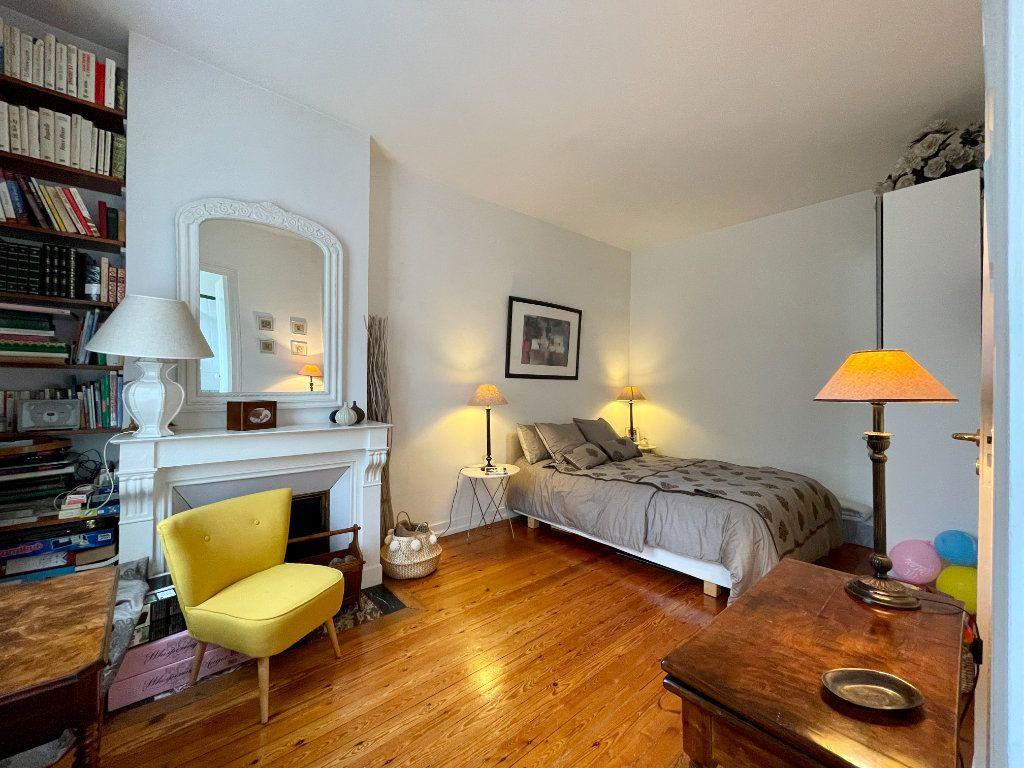Appartement à vendre 4 115m2 à Bordeaux vignette-8