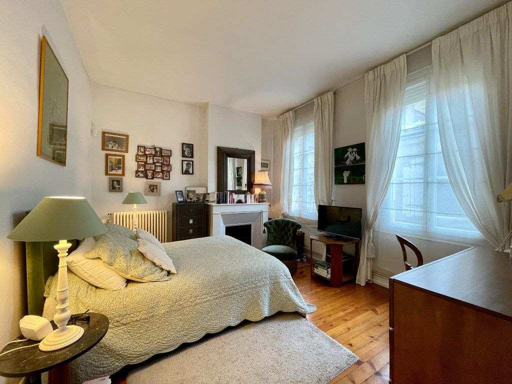 Appartement à vendre 4 115m2 à Bordeaux vignette-9