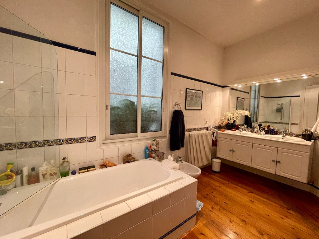 Appartement à vendre 4 115m2 à Bordeaux vignette-11