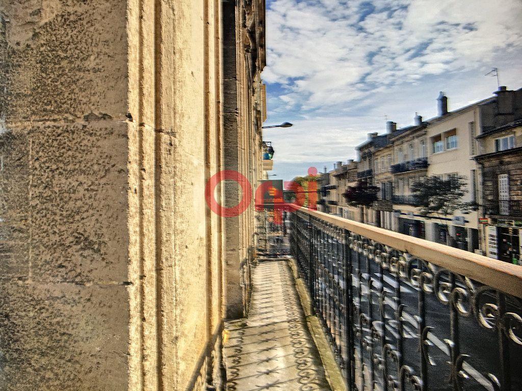 Immeuble à vendre 0 180m2 à Bordeaux vignette-1
