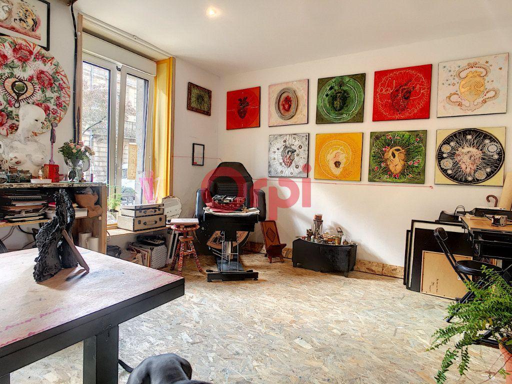 Immeuble à vendre 0 180m2 à Bordeaux vignette-5