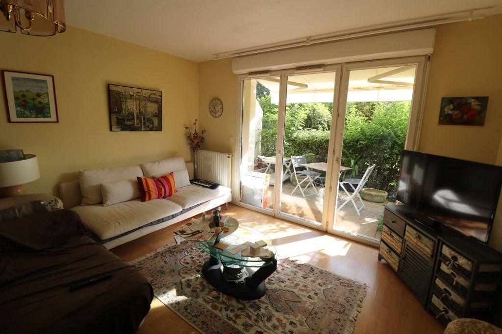 Appartement à vendre 3 63m2 à Bordeaux vignette-1